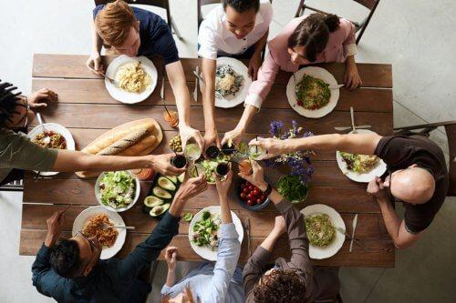 housemates' dinner part